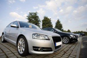 Siedem wskazówek dotyczących zakupu pierwszego samochodu