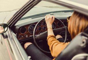 Czy można jeździć z uszkodzoną końcówką drążka kierowniczego?