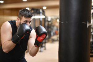 Jak wybrać bezpieczne rękawice do boksowania?