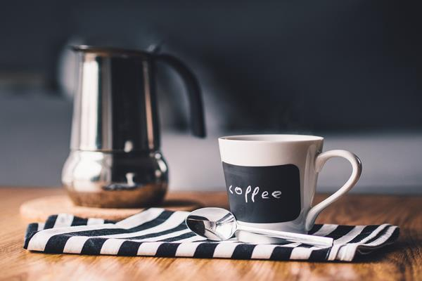 Ekspres do kawy przelewowy - dlaczego warto?