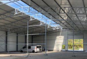 Perspektywa na dodatkową przestrzeń w postaci hali namiotowej w przemyśle