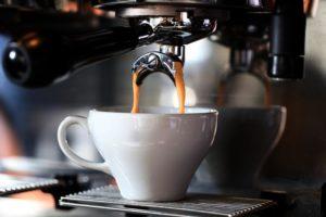 Dlaczego dobra kawa w firmie jest ważna? Kawa Single Origin i inne