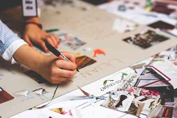 Broszury na branżowe targi. Jak je przygotować?
