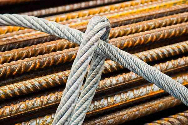 Co musisz wiedzieć o linach budowlanych, gdy pracujesz na wysokości?