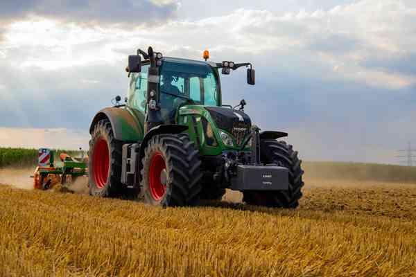 Najlepszy track guide dla precyzyjnego rolnictwa